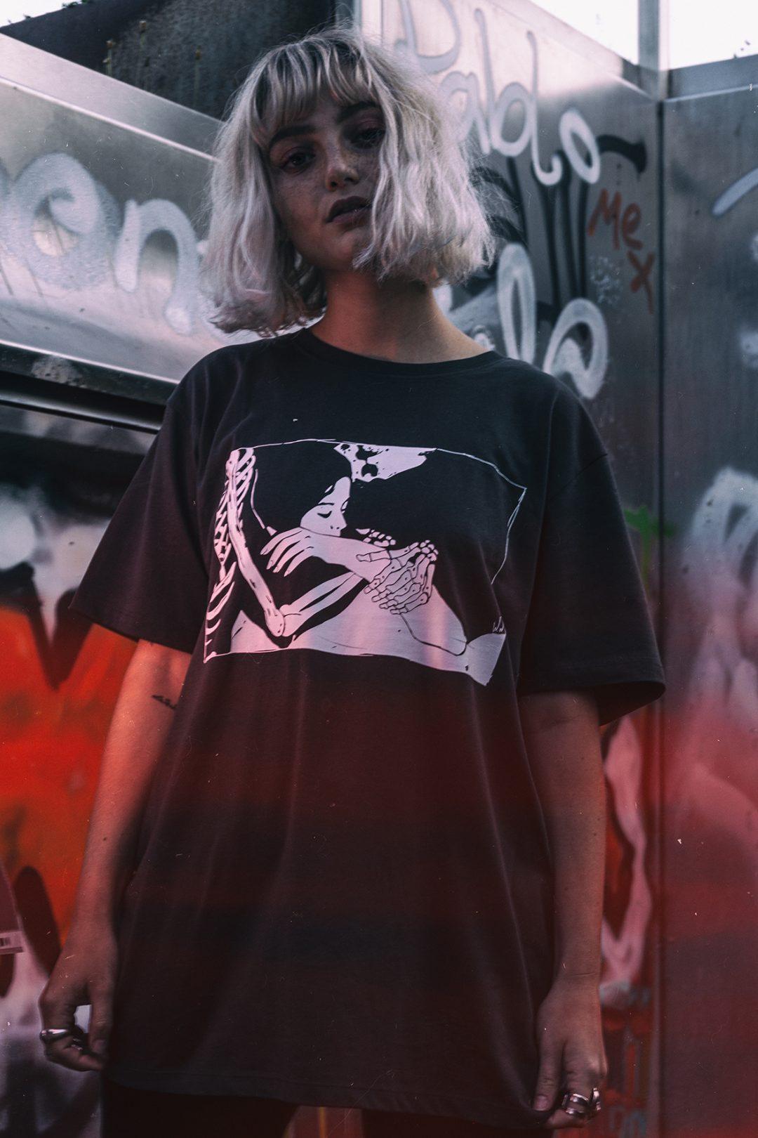 WW-Dark Tshirt